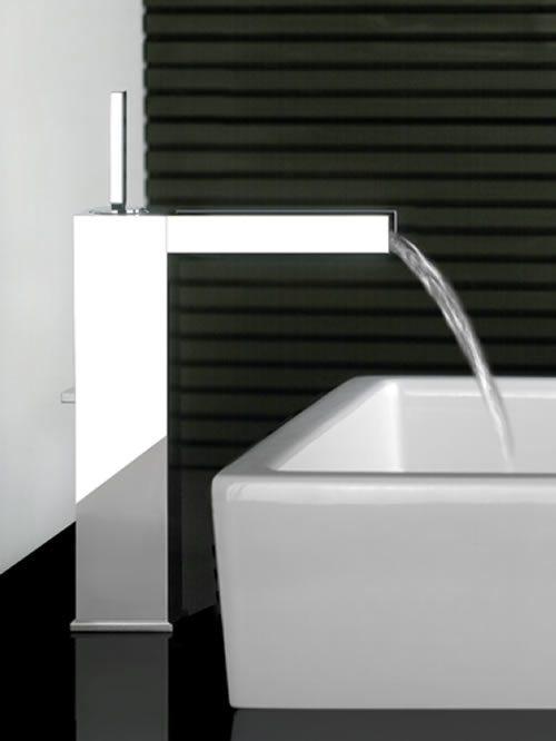 rettangolo cascata miscelatore lavabo alto
